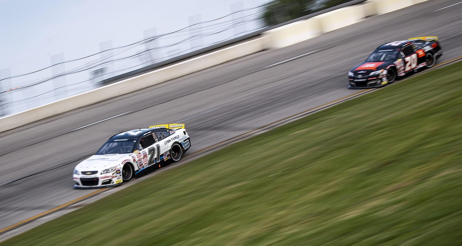 Sam Mayer, driver of the #21 Lynn Family Foundation Chevrolet, and Chandler Smith, driver of the #20 JBL Toyota, race during the Royal Truck & Trailer 200 for the ARCA Menards Series on September 12, 2020 at Toledo Speedway in Toledo, Ohio. (Nic Antaya/ARCA Racing)